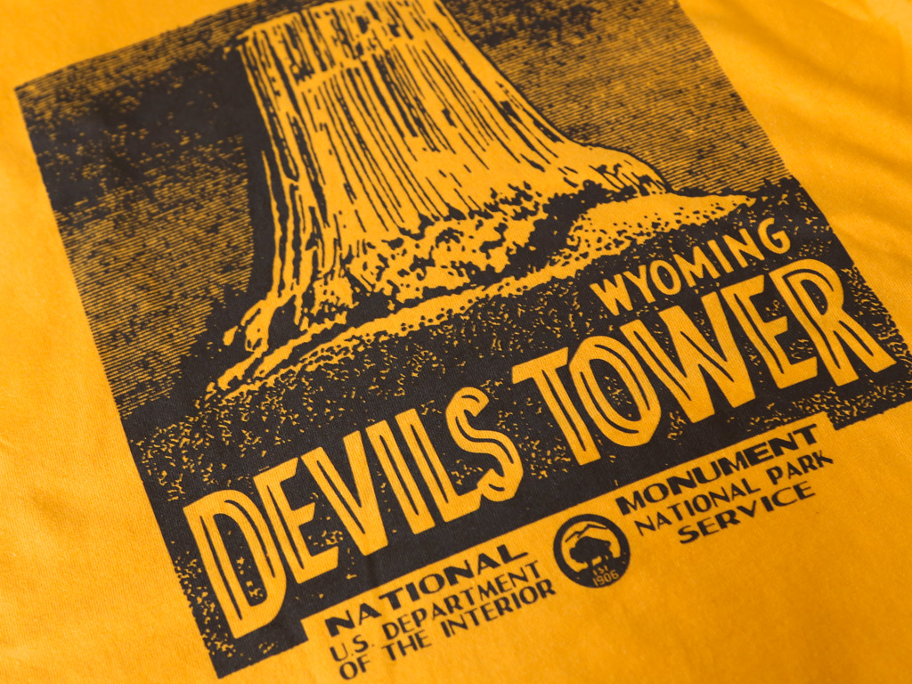 DEVILS TOWER T-SHIRT INSPIRED BY CLOSE ENCOUNTERS OF THE THIRD KIND